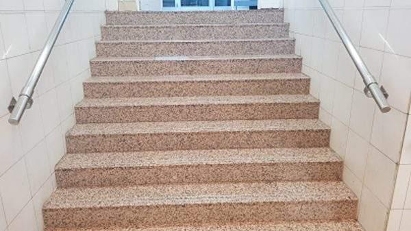 Rocas Décor ofera o gama larga de granit de calitate.Livrarea rapida din stoc.Promotii placaje granit.